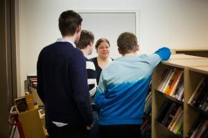 """""""En engagerad skolbibliotekarie låser inte bara upp bokskåpen, utan öppnar böcker och ögon för läsning."""""""